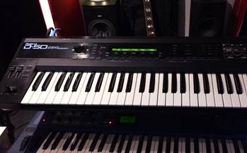 Roland D-50 synth